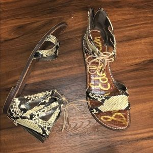 Cute snakeskin Sandals